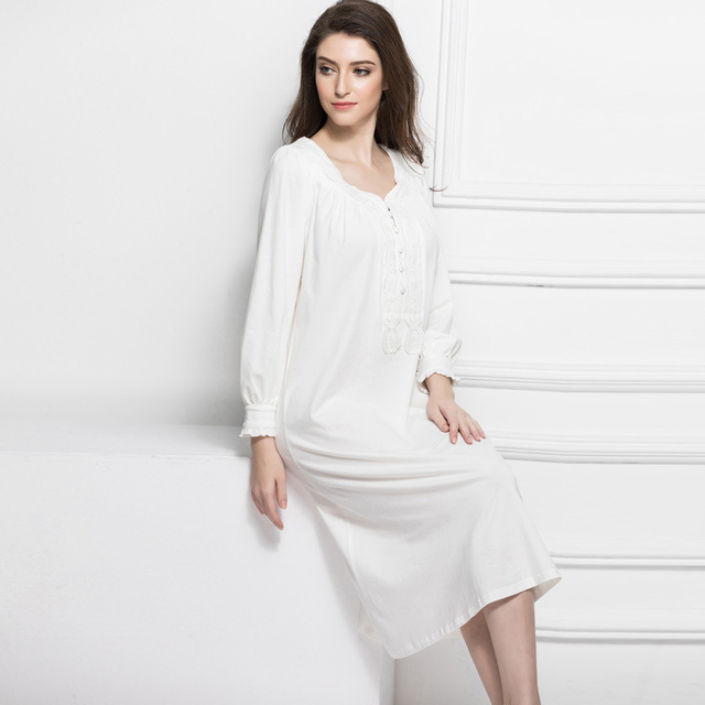 High Quality 2017 Cotton Retro Maternity Dress Sleepwear Pregnant Women  Pajamas Lace Crochet Nightgown Clothes Long Sleeve CE725 99533cca3