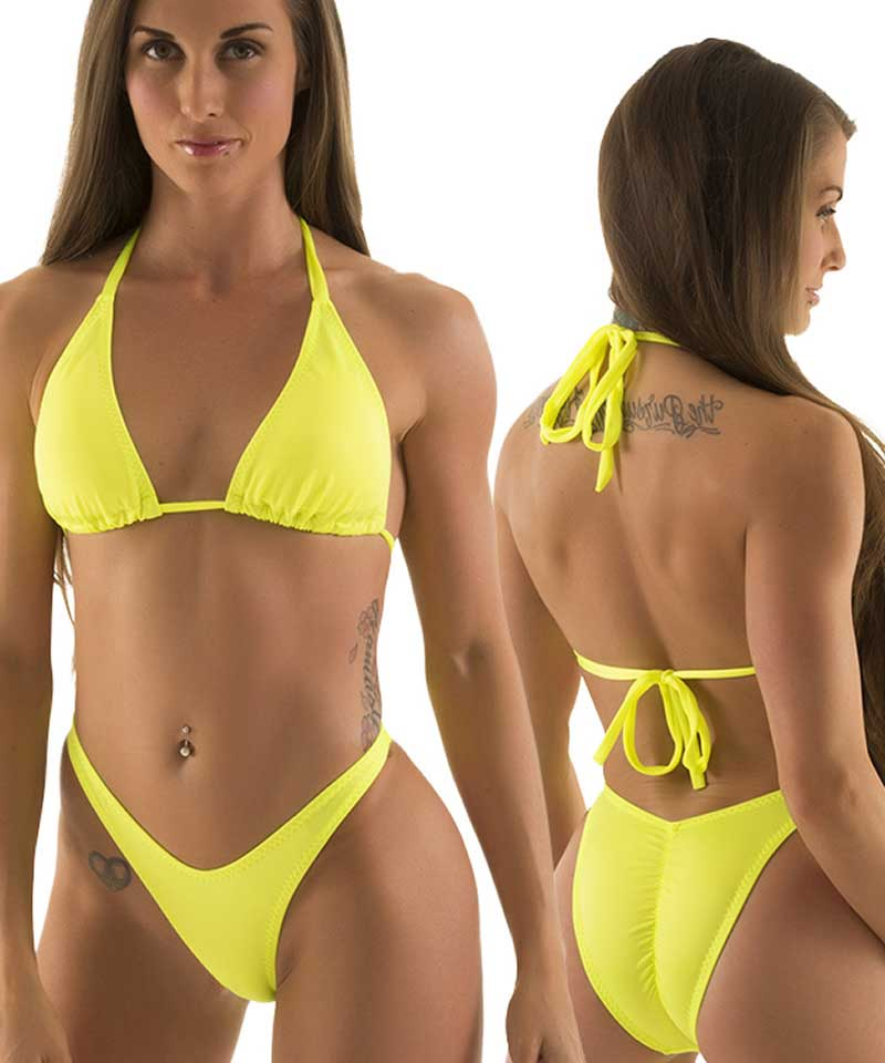 Whether you want to top up your tan or dive into the azure waters of the sea, our exquisite bikini bottoms are a must-have for the summer. Our online store offers an excellent selection of gorgeous styles designed and manufactured by the most famous Brazilian bathing suits brands.