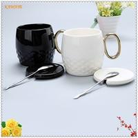 1 stks Effen Zwart Wit Keramische Cup Koffiekopje Goud Handvat Thee Mok Relatiegeschenk Glas Leisure Bar Cafe Levert 6ZDZ308