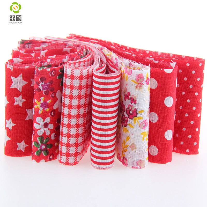 Jelly Roll Fabric Strips for Quilting 20 Pcs Christmas Style Fabric Jelly Rolls Patchwork for Crafting Christmas Decoration Craft Cotton Quilting Fabric Quilting Fabric with Different Patterns