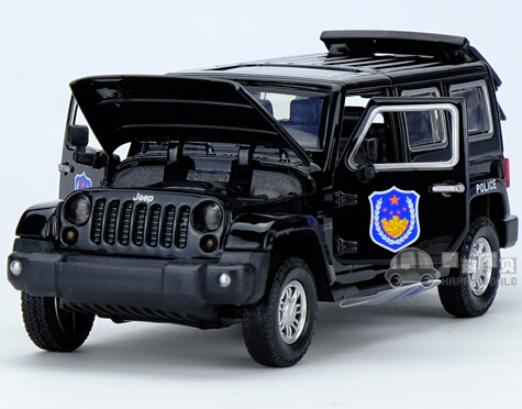Regalo para el bebé 1 unid 16 cm delicado último hierro regimiento de policía jeep coche acustóptica aleación decoración modelo niño juguete de los niños