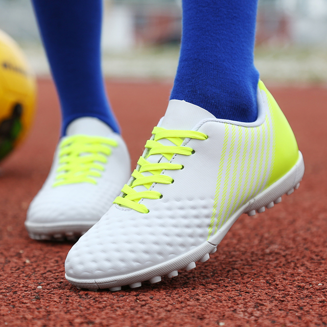 Quality Professional Women Soccer shoes Girls TF Cleats Comfortable Mens  Football Sneakers Boys futsal shoes Kids Antiskid Cheap c551896c95