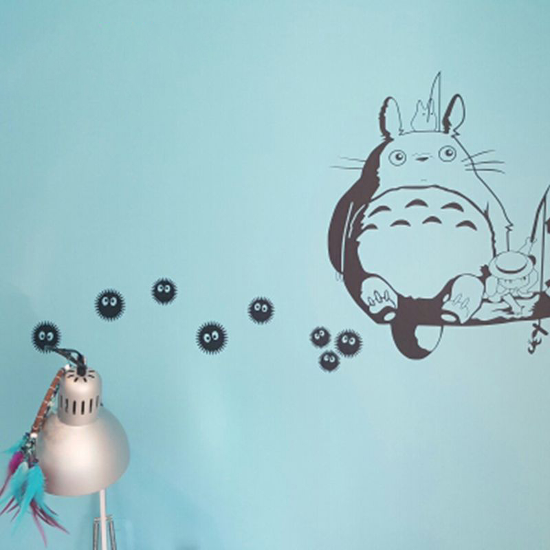 უფასო გადაზიდვა Cute Kawaii Vinyl Wall Anime Decals - Ghibli Totoro - Soot Sprites Wall Art Applique Stickers Anime Decoration
