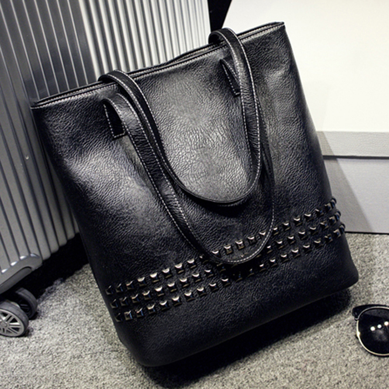 Europe and America Women Classical Handbags Fashion Vintage Rivet Handbag  Messenger Bag PU Leather Casual Black Tote Flap bolsos-in Shoulder Bags  from ... 0603ebaf381f3