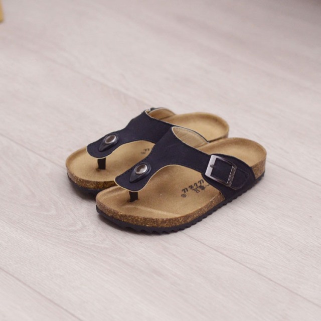 Summer Boys Girls Breathable Sandals New Style Children leather Shoes Kids Beach Shoes For Girl Boys Cork Slipper