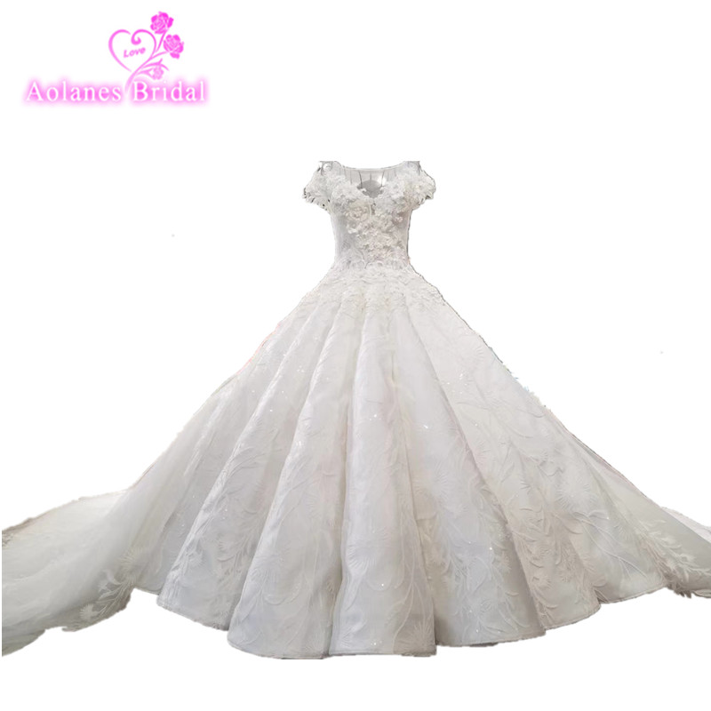 Big Train Ball Gown 100% Real Luxury Crystals Bling Arabic Wedding Dress Champagne 2018 Lace Dresses