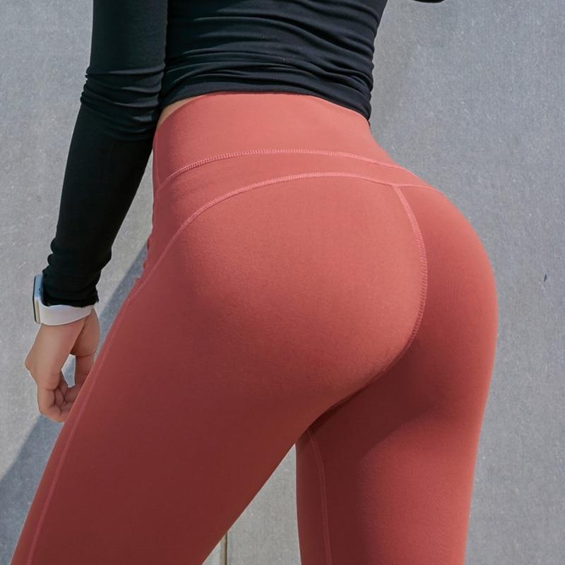 Ebano Lesbica yoga