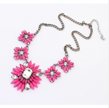 SF-081 2017 Newest Jewelry For Women European Bohemia Sweet Flower Pendant High-grade Fashion New Necklaces