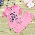 2-3 T rosa vermelha meninas conjuntos de roupas de Apuramento de verão Crianças rendas urso dos desenhos animados com capuz camisa + calça bebê flor define frete grátis