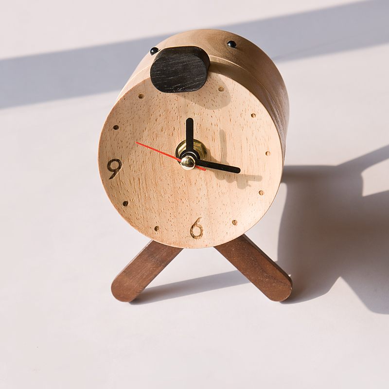 Mute Small Clock Students Wooden Desk Clock Ornaments Personality Wooden Alarm Clock Creative Cute Wooden Clock Desktop