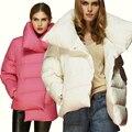 Blanco de las mujeres Abajo Chaqueta de diseño de Moda corto Asimétrico Longitud Anorak Abrigo de Invierno Femenina rosa collar grande abajo cubre AF1268