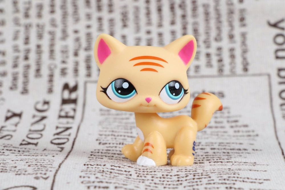 New pet Genuine Original LPS #1572 Yellow tiger Stripe Cat Blue Eyes Collection figure Toys large 24x24 cm simulation white cat with yellow head cat model lifelike big head squatting cat model decoration t187