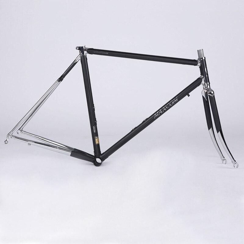 Ну по определению хром молибденовая стальная рама крепче алюминиевой, но у такой рамы есть существенный недостаток это чрезмерный вес, к примеру алюминиевая рама стандартного горного велосипеда весит порядка полутора - двух килограммов, та же рама из качественной стали будет весить кило.