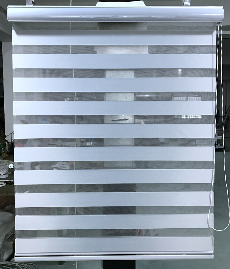 Custom Made 100 Polyester Blackout Roller Zebra Blinds In