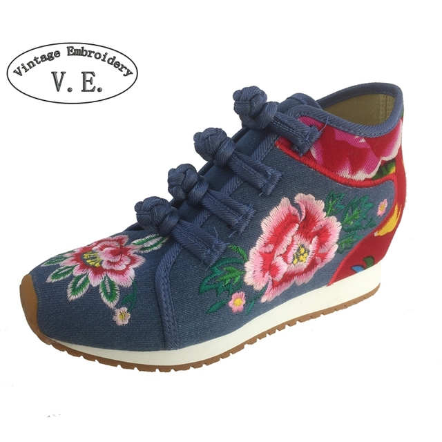 New Arrive Chinese Old BeiJing Embroidery shoes Tourism Floral embroidered shoes singles walking dance soft shoes size 34-40