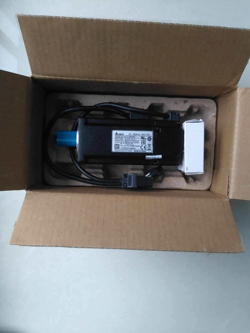 New Original DELTA ECMA-C10604RS 220V 400W 1.27NM 3000rpm AC Servo Motor with Oil Seal new original delta servo motor ecma c30604ps es 400w 60mm 220v 3000rpm
