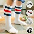 Crianças meias de algodão crianças listrado desporto meias até o joelho meninas bonitos longas meias para o bebé outono inverno criança polainas