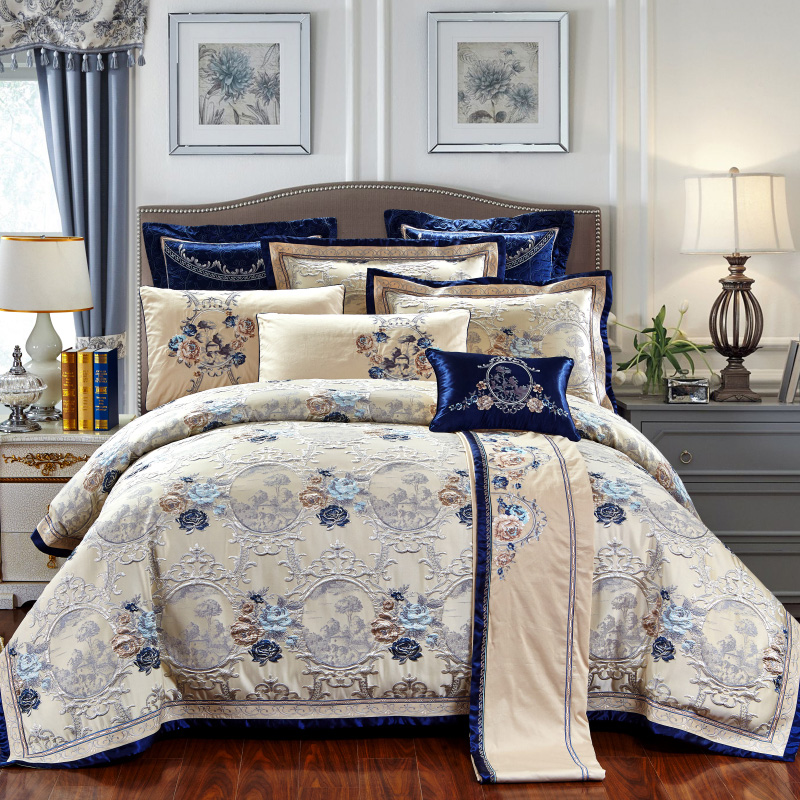 Luxury wedding style silk satin cotton jacquard bedding for Luxury cotton comforter sets