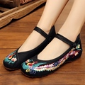 2017 Plus Size 35-41 Fashion Women Shoes Old Beijing Mary Jane Flats Casual Shoes Chinese Style Embroidered Cloth shoes woman