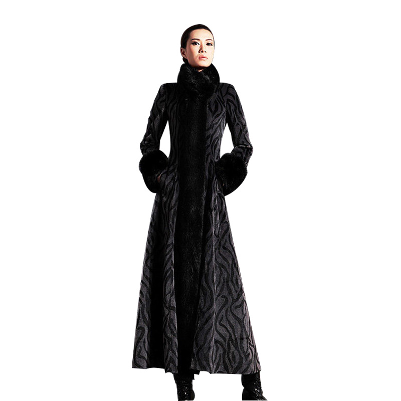 New Wool Blends Lengthy Coat Slim Temperament Wool Coat Removable Fake Fur Collar Excessive-Finish Luxurious Ladies Winter Coat Manteau Femme