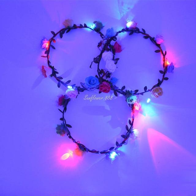 https://ae01.alicdn.com/kf/HTB13HxBPVXXXXamXpXXq6xXFXXXa/Vrouw-Meisjes-LED-Knippert-Verlichte-Bloemen-hoofdband-Hawaii-Krans-garland-Party-Bloem-Glow-Party-Bruiloft-Decoratie.jpg_640x640.jpg