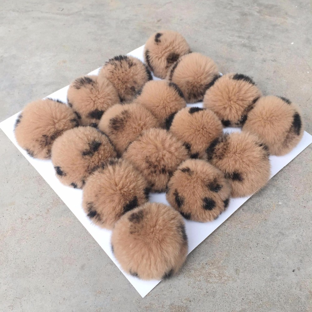 16pcs/lot Leopard Pattern Real Rabbit Fur Ball Pom Pom Keychain Genuine Fur Pompoms for Winter   Skullies     Beanies   Knitted Cap R20