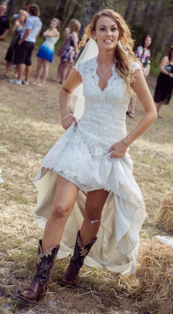 Us 129 0 Rustic Wedding Dresses Cap Sleeve Back Button Appliques Vestido De Novia Fashionable Bridal Gowns Hi Low Lace Wedding Dress In Wedding