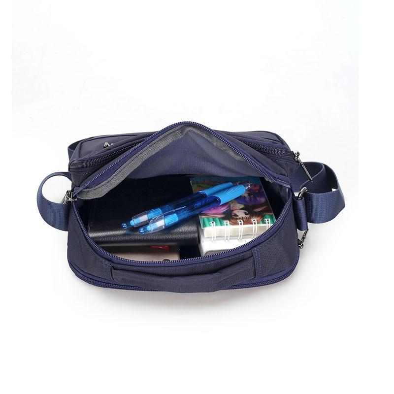 2018 Portatile di modo borsa rivetto borsa femminile Europeo e Americano di moda femminile di spalla DELL'UNITÀ di elaborazione del sacchetto del Messaggero-in Borse con manici da Valigie e borse su  Gruppo 3