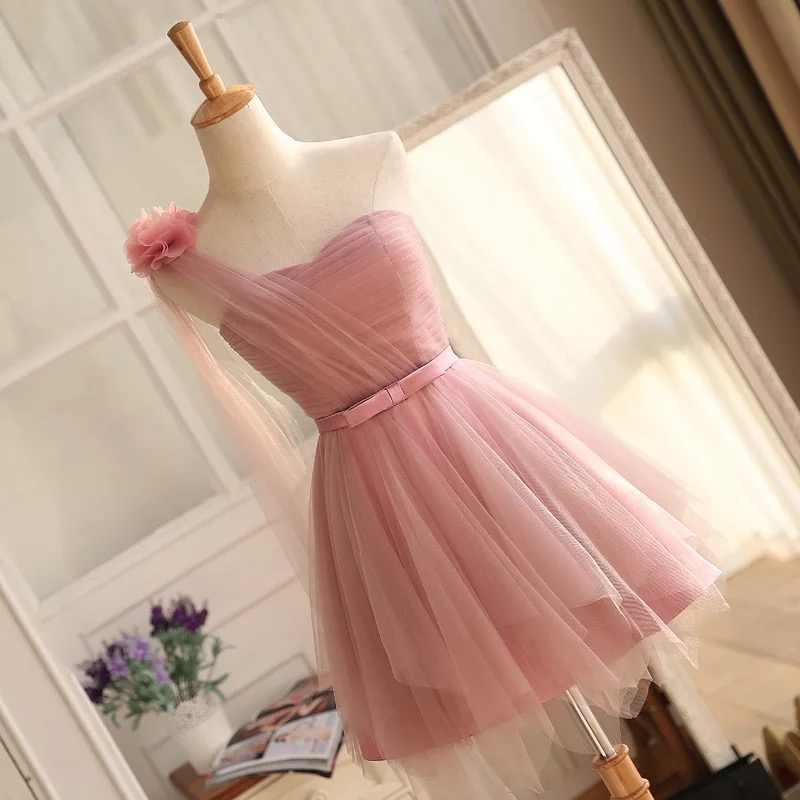 קצר שושבינה שמלות כתף אחת השושבינות שמלות 2018 ורוד הברך אורך חתונת אורח שמלת שמלת תחרה עד זול DQG205