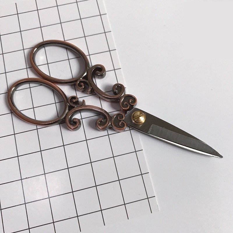 High Quality Titanium Steel European Vintage Floral Scissors Para Handicrafts Household Scissor Cross Stitch Sewing DIY Tools