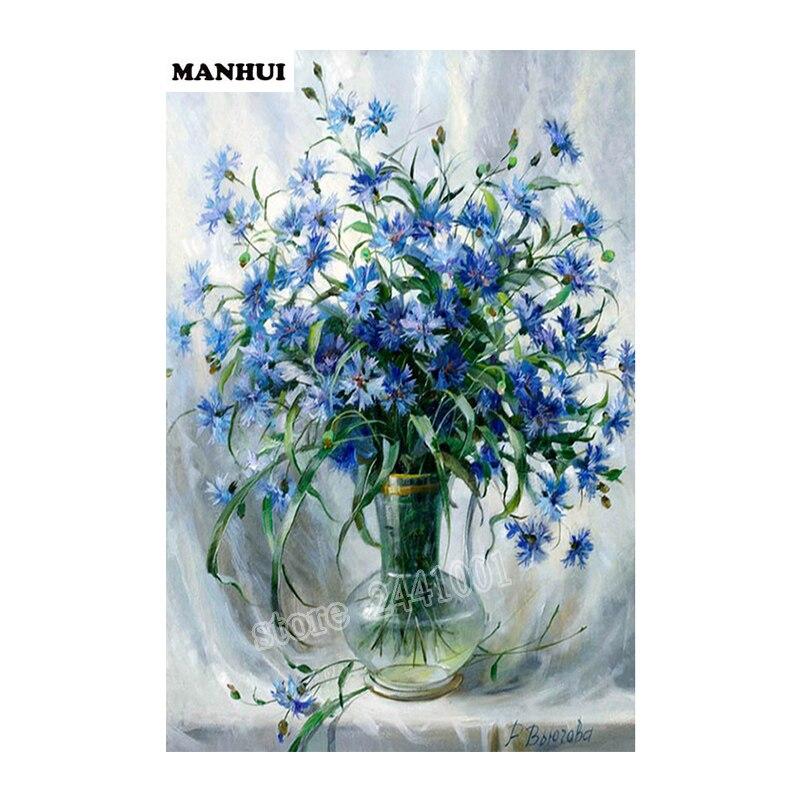 Вышивка голубая ваза