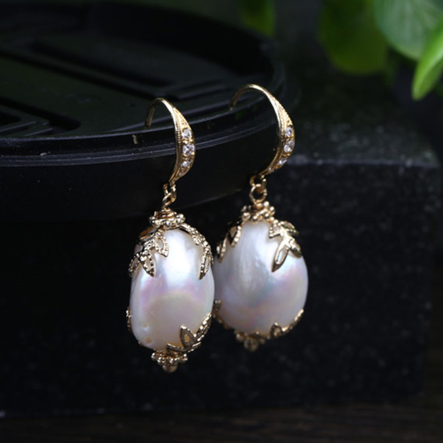 Natural pearls lace inlaid zircon decorative high-end ear hook earrings