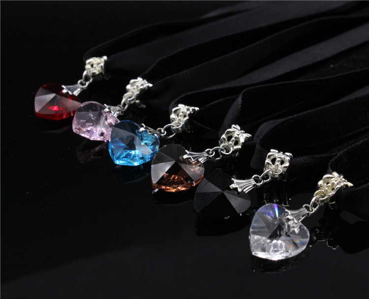HTB13IrXQFXXXXcnXpXXq6xXFXXXy - New Fashion Woman Velvet Choker Heart Crystal Pendant Necklaces For Women Jewelry Female Black Ribbon Necklace Party Gift Collar