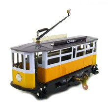 1 Piece Creative Vintage Wind Up Tin Toy Tram Models Child Clockwork Classic Toys Retro Reminiscence Kids Gift Adult Collection
