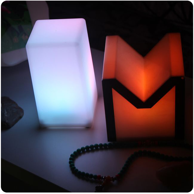 ABS Plastic Glowing LED Cube Recharge Led Cube Stool/Bar Table Light