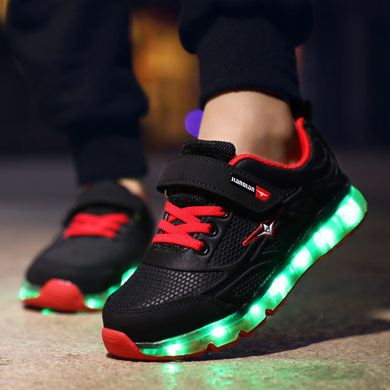 Black Red 2019 New Children Glowing Sneakers Led Luminous Shoes for Boys Girls Fashion Light Up Casual Kids 7 Colors USB Charge