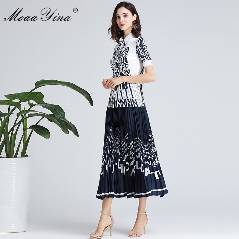 Kadın Giyim'ten Kadın Setleri'de MoaaYina Moda Tasarımcısı Set Bahar Sonbahar Kadın Kısa kollu Mektubu Baskı Zarif Gömlek Tops + Pilili Etek Iki parça takım elbise'da  Grup 3