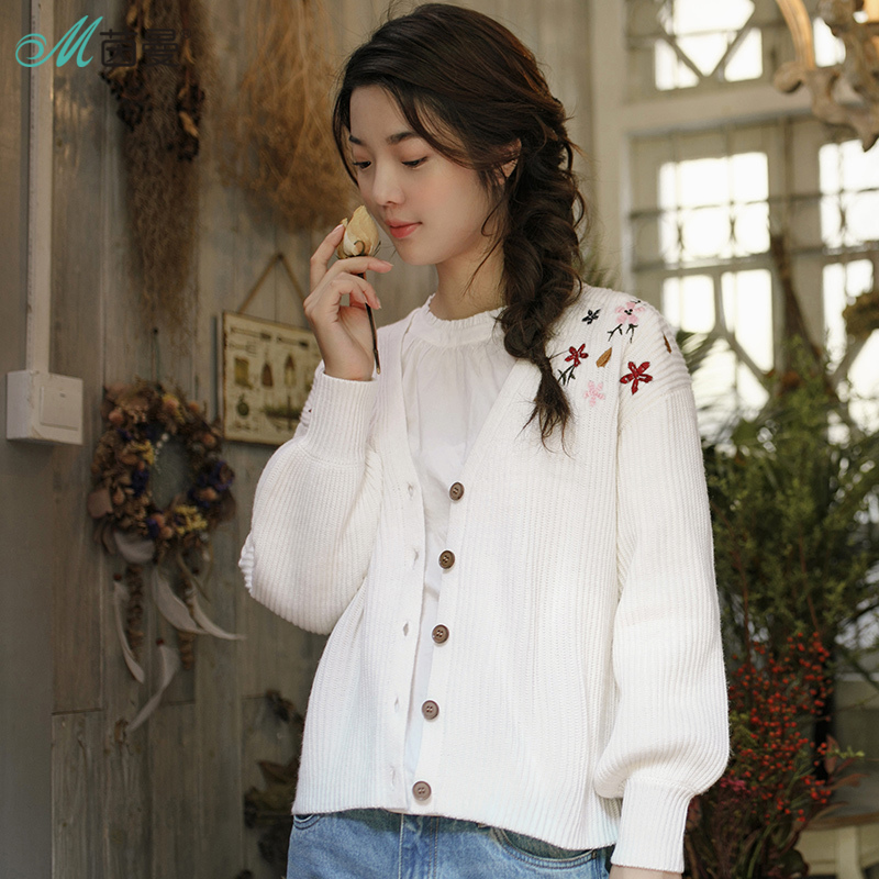 INMAN 2018 New Products Women Winter V-Neck Embroidered Cardigan Sweater Women