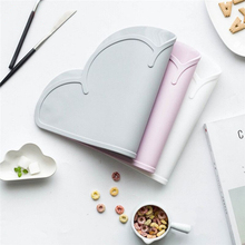 1Pcs Cloud Shape Placemat Kids Plate Mat Food Grade Silicone Table Pad Waterproof heat insulation