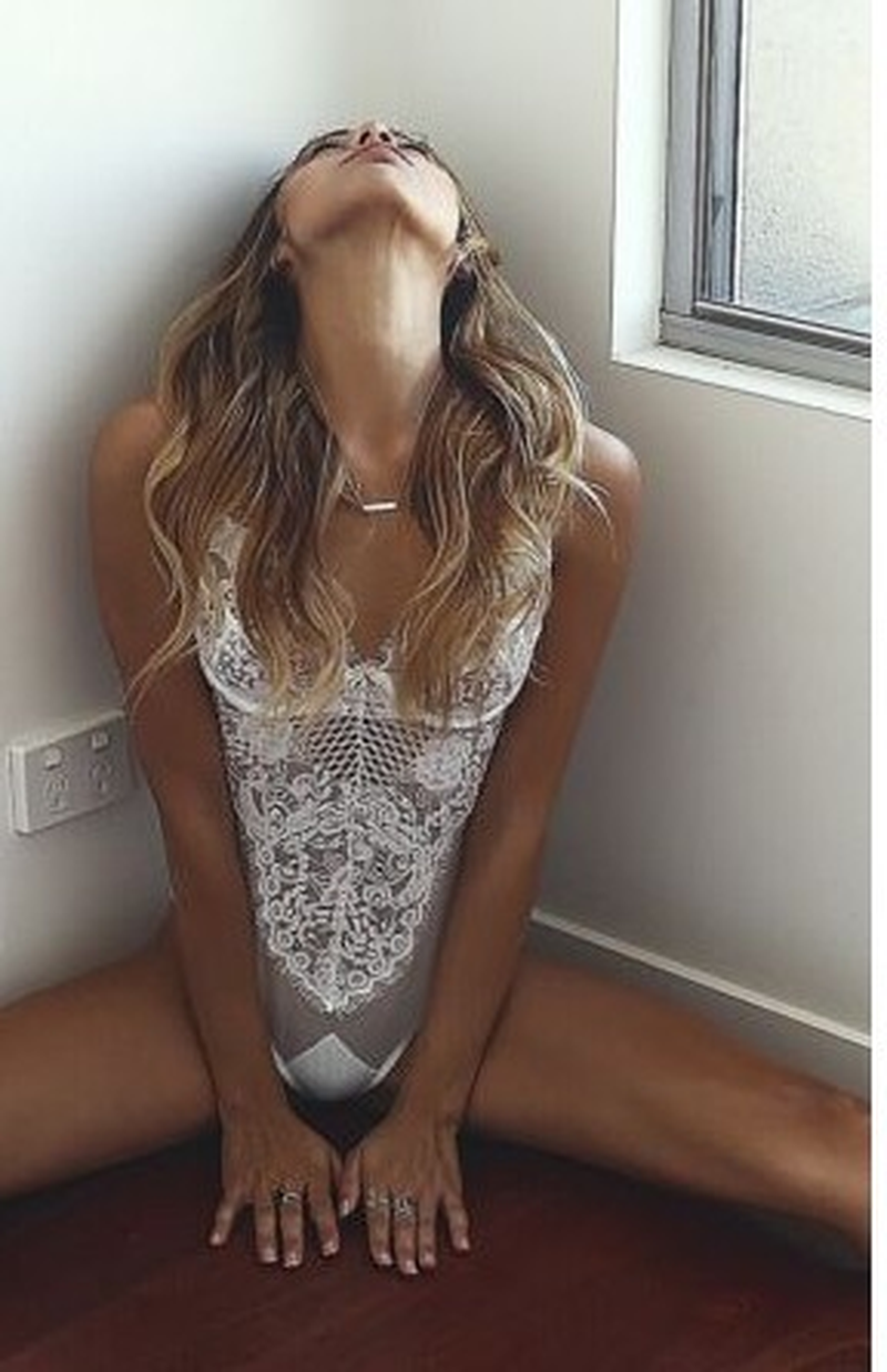 2019 nuevo mono Sexy para mujer ahuecado negro de encaje Mono Blanco mono-85