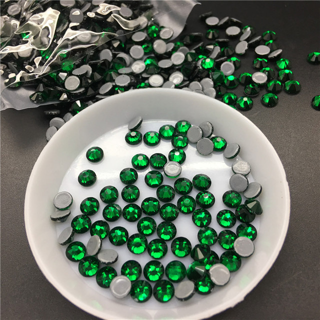 Emerald Color HotFix Rhinestones ss6 8 10 12 16 20 30 Iron On Flatback Hot  Fix Rhinestones Flat Back Crystals For Luxury Dress 2f73cb3fc769