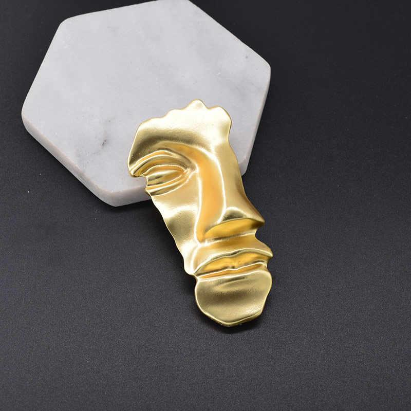 Spille Spilli Collane con pendente D'oro 1 PC/1 Paio di Metallo Orecchini vintage Astratta Viso Maschera
