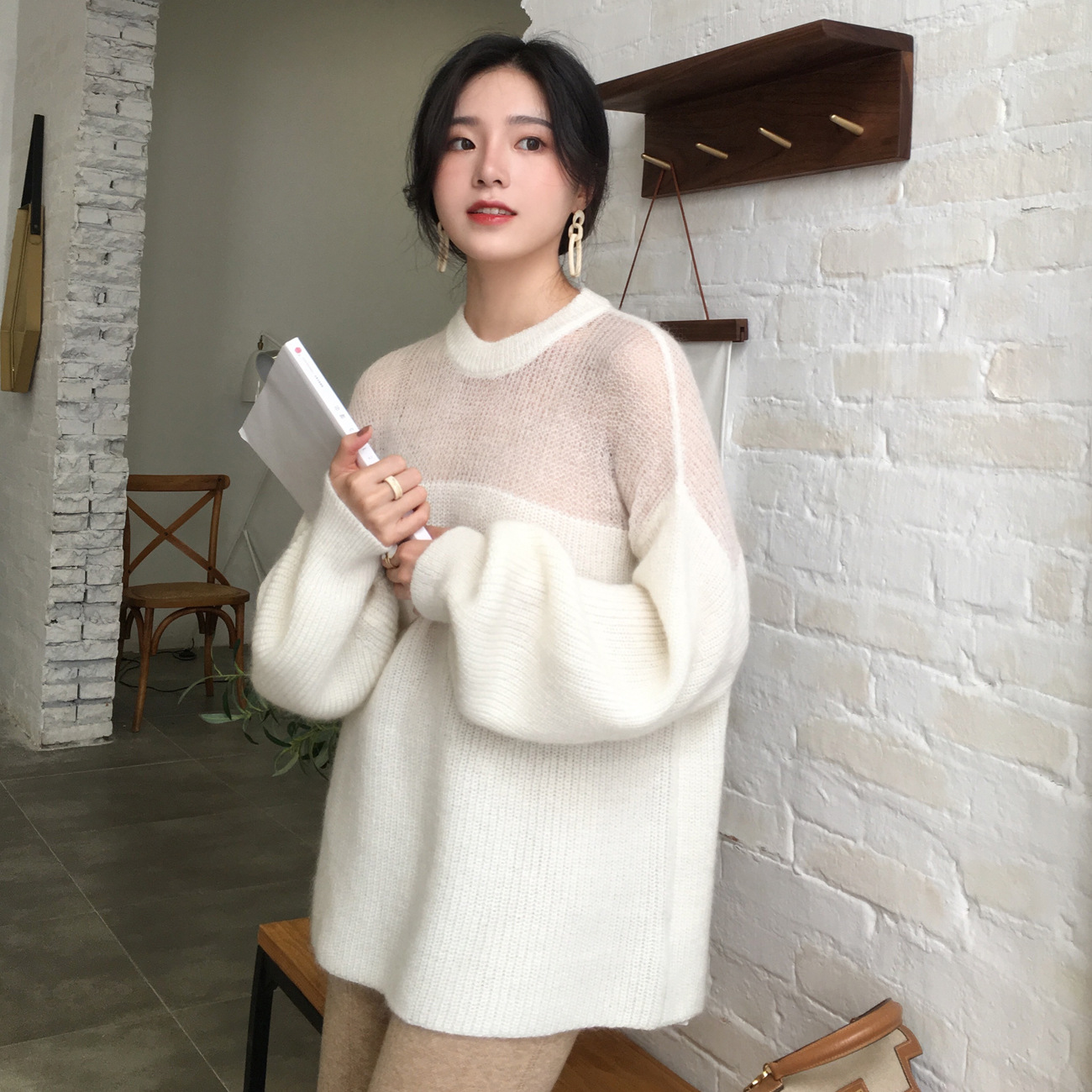 In The Fall And Winter Of 2019 New Stitching Round Neck Sweaters Mohair Loose Lantern Sleeve Knit A Female Temperament
