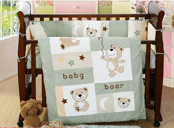 Discount! 4PCS Embroidery newborn baby bedding Set Quilt Sheet Cot Bumper baby bedding set,include(bumper+duvet+sheet+pillow) home textile washable cotton fitted sheet 4pcs bedding set