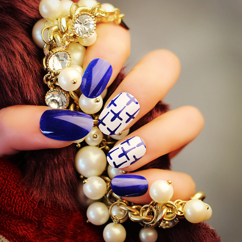 24 Pcs Nail Art Sticker Blue White Cross Fake Nails Artificial Nail Art Tool For Women Lady Home Party Office FM88