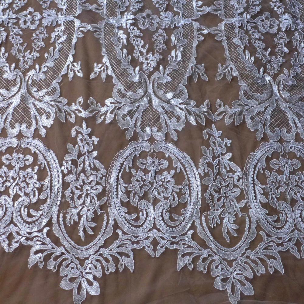 La Belleza New off weiß / schwarz / beige Karte Perlen Perlen handgemachte Hochzeit / Abend / Show Kleid Spitze Stoff 51 '' Breite 1 Yard