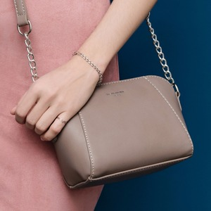 Image 3 - DAVID JONES kadın postacı çantası pu deri kadın crossbody çanta küçük bayan zincir omuzdan askili çanta kız marka çanta damla nakliye