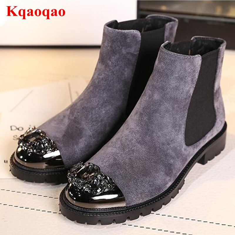 Crystal Embellished Metal Round Toe Women Ankle Boots Low Heel Shoes Chelsea Boots Luxury Brand Super Star Runway Bottes Femme new arrival superstar genuine leather chelsea boots women round toe solid thick heel runway model nude zipper mid calf boots l63