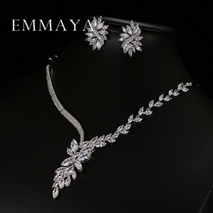 Image 2 - Emmaya 새로운 독특한 디자인 초커 목걸이 스터드 귀걸이 신부 보석 세트 웨딩 액세서리 dropship