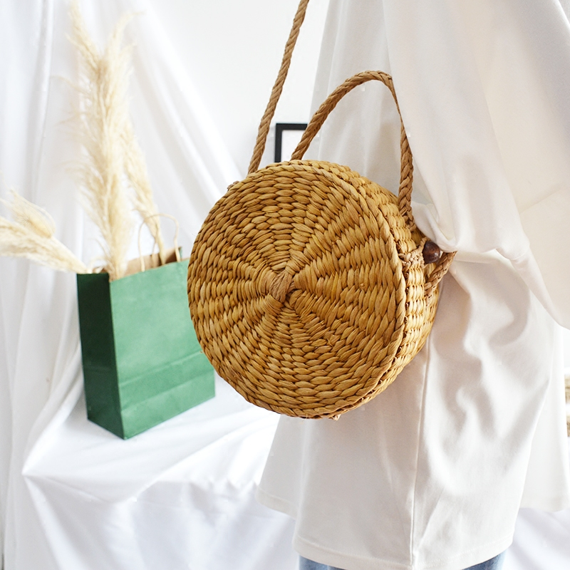 2018 INS fashion New summer beautiful cute round straw oblique shoulder bag